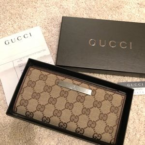 💯Authentic Gucci Logo Wallet